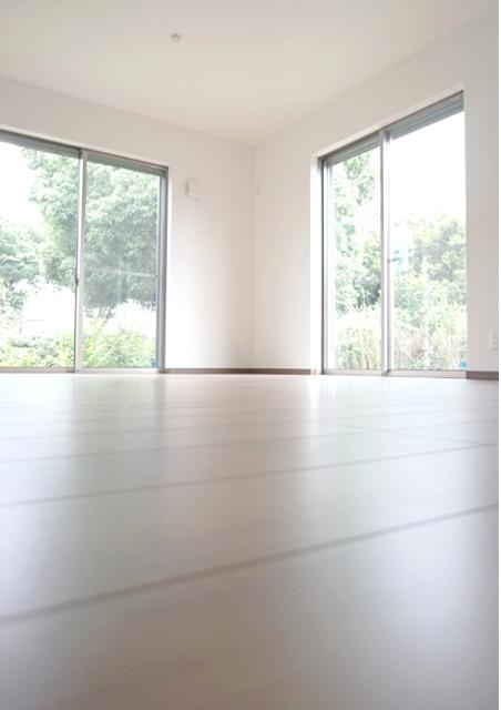 ガラス修理を大阪で行うガラスセンター大阪では結露・防犯・防音に適した窓ガラスの提案を行います